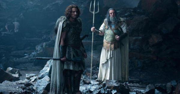 Clash Of The Titans Poseidon And Ares édgar Ramírez And Danny Huston Ira De Titanes Furia De Titanes Fotos