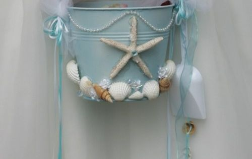 Beach Wedding Flower Girl Starfish Beach Pail! I've been trying to find