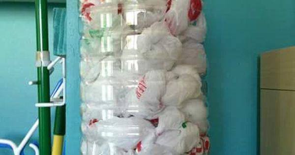 Ideas para reciclar botellas de pl stico reutiliza tus - Dispensador de bolsas de plastico ...