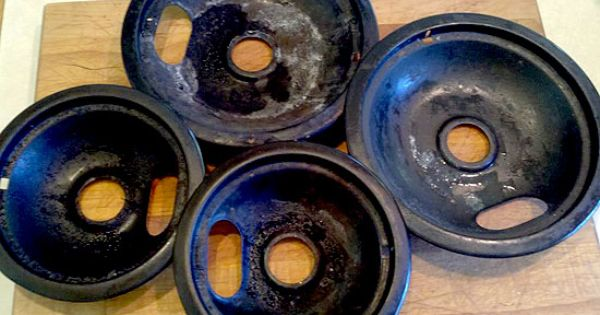 How to clean stove burner pans