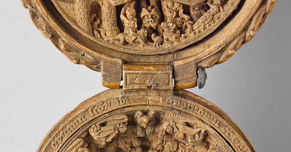 Th century miniature boxwood carvings that fit in the