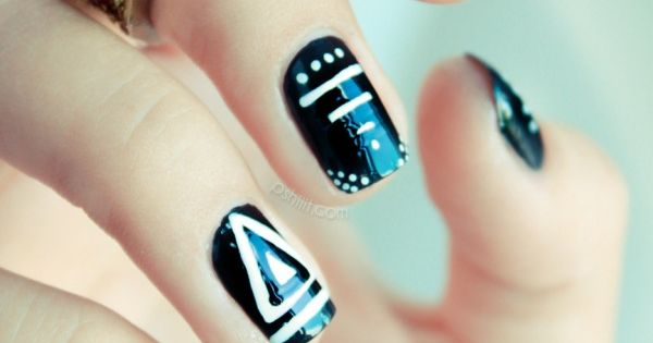Graphic Black & White Nail Art very pretty tribal nail design