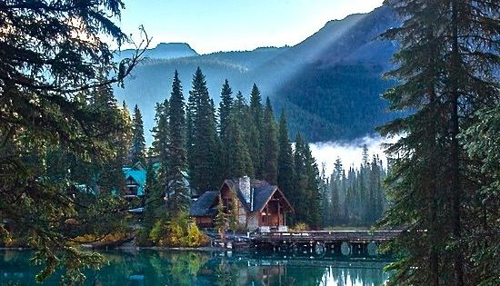 Emerald Lake and Lodge in Yoho National Park, British Columbia, Canada •