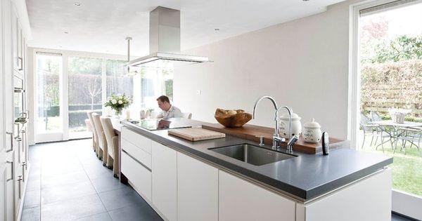 Keuken Kasten Melamine : Gaaf met de eettafel aan het kookeiland ...