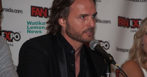 Actor Greg Bryk He Looks Sooo Good With That Hairstyle