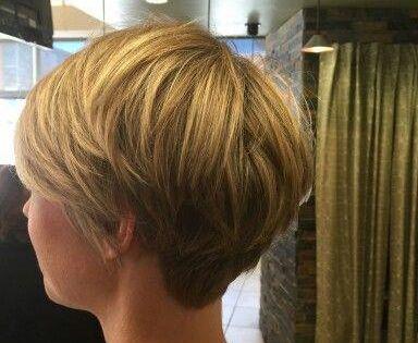 Bob Recadree Bob Coiffure Coiffures Recadree Shortbobhairstyles Cheveux Courts Coupe De Cheveux Courte Coupe De Cheveux