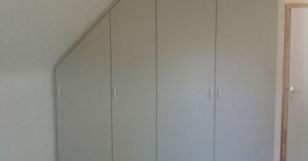 Placards sous pente des rangements bien pratiques dans for Creer un placard dans une chambre