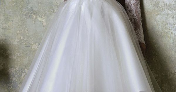 20 unique dresses for the bride who dares to be different  