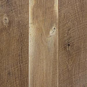 Home Decorators Collection Hand Scraped Medium Hickory 12 Mm Thick X 5 9 32 In Wide X 47 17 32 In Length Oak Laminate Flooring Laminate Flooring Oak Laminate