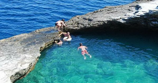 11 Most Amazing Swimming Pools You Must See Natural