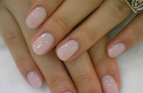LOVE the natural nail shape with nude nail polish color. My favorite