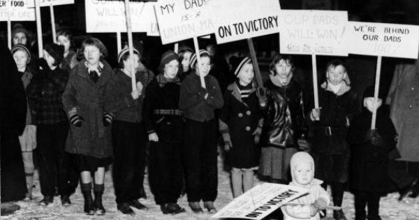 The Flint Sit Down Of 1937 A Defining Event For The Labor Movement And For The United Automobile Workers Uaw Lasted F Michigan Genesee County Flint Michigan
