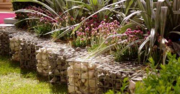 Steenkorven als afscheiding in de tuin breuksteen en sier keien pinterest tuin - Moderne tuin ingang ...