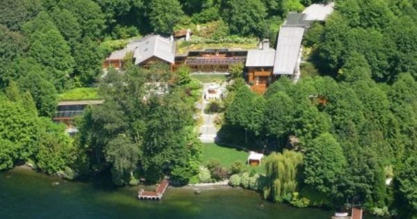 Bill Gates Compound Xanadu 2 0 Lake Medina Wa The Swimming Pool Has An Underwater Sound System Bill Gates S House Billionaire Homes Castle Estate