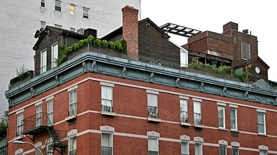 Crazy Nyc Rooftop Homes With Images Nyc Rooftop House Roof