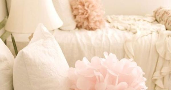 idea for little girls room, Bed Pom Poms ~ using tulle and