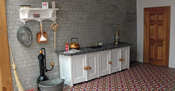 Aanrecht in de wasruimte in de kelder van het 600 416 poppenhuis pinterest - Een wasruimte voorzien ...