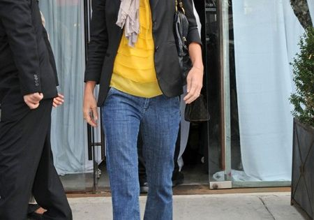 yellow shirt & blazer, cute!