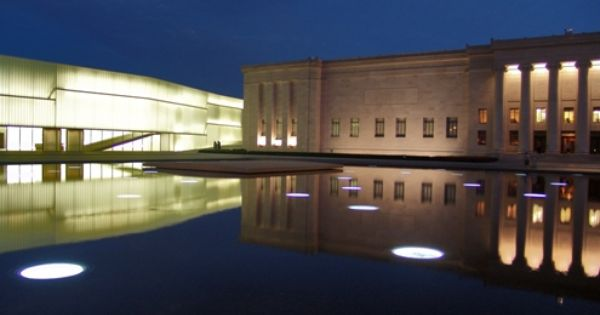 Reflecting Pool With Skylights To Parking Garage Nelson Atkins Museum Steven Holl Saint Louis Architecture Design Architecture Reflecting Pool