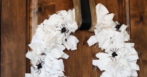 DIY Halloween Wreaths | Halloween DIY Spider Wreath | CouponSmart
