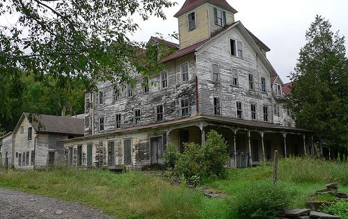 This Old House ... photo by Kurt Christensen This massive old building