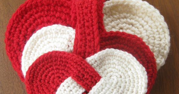 Danish Christmas Heart - Free crochet pattern