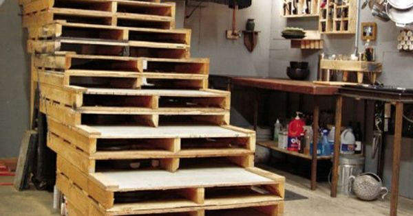 europaletten recyceln diy m bel aus holzpaletten holzpaletten recyceln garten m bel treppe. Black Bedroom Furniture Sets. Home Design Ideas