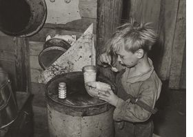 Featured Image Is Reproduced From The Bitter Years Edward Steichen And The Farm Security Administration Photographs Dust Bowl Us History History