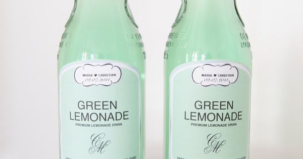 Green Lemonade- Nice personalized labels;) Photography by bryllupsglimt.dk