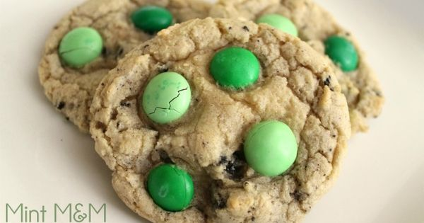 Mint M&M and Oreo cookies -- St Patrick's Day