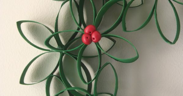 toilet paper roll wreath: I've seen many toilet paper wreaths around the