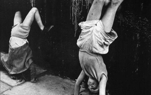 Roger Mayne - Girls Doing Handstands, Southam Street, London 1956 - vintage