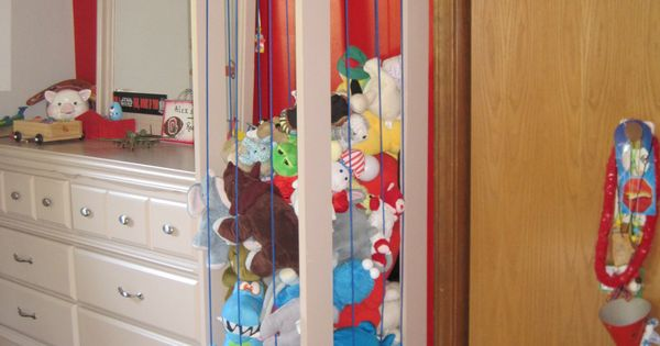 stuffed toy storage for the kids' room -- Good idea to keep
