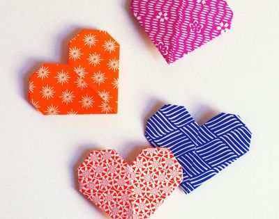 Very Easy - Origami heart shaped page marker