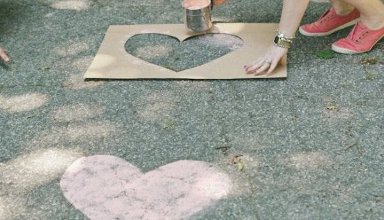 chalk hearts on the road to the wedding! This would look cute