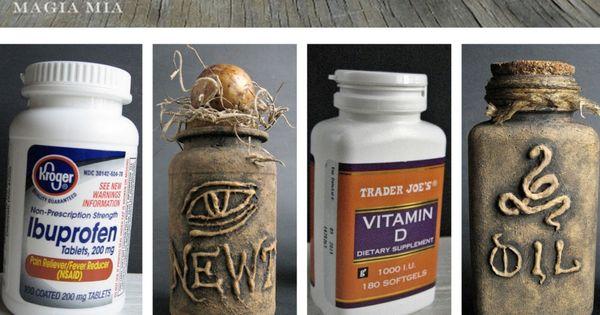 DIY Halloween Apothecary Jars' Tutorial from Magia Mia. Turn plastic vitamin bottles