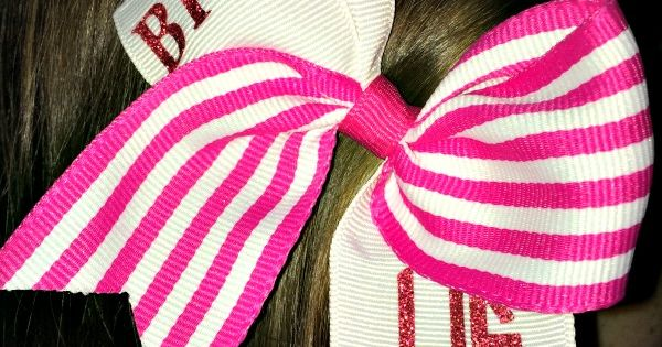 cheerleading hair styles diy monogrammed hair bows with your silhouette cameo 6318