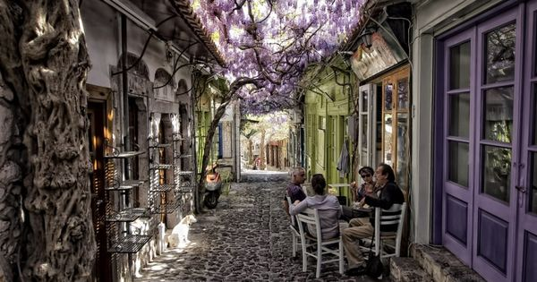 Molyvos Lesvos: Molyvos village in the island of Lesvos, Greece