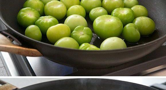 easy ways to make tomatillo salsa verde! A delicious Mexican green ...