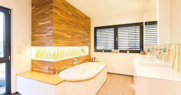 Badezimmer spaltholz rustikal massiv modern schindelwand gr n interior design pinterest - Living at home badezimmer ...