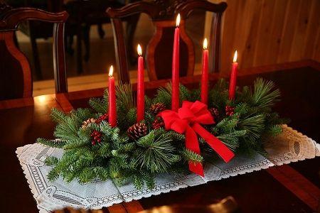 30 Beautiful Christmas Centerpiece Ideas You Must Try Christmas Centerpieces Diy Christmas Table Centerpieces Christmas Table Decorations