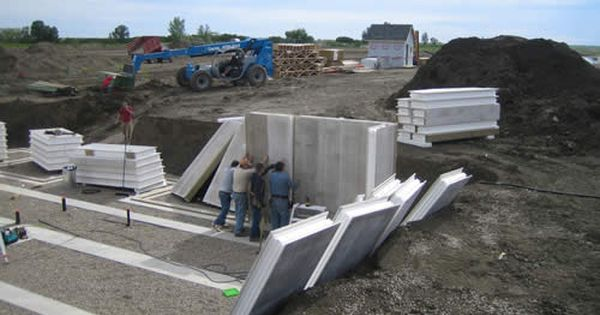 Titan wall structural insulated panels home building for Building a house with sip panels