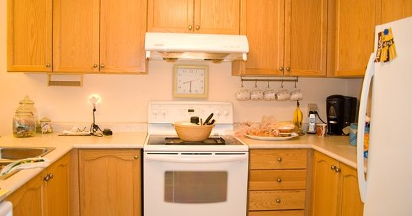 How to stain ugly oak wood darker easily all things thrifty stains oak cabinets and all - How to remove grease stains from kitchen cabinets ...