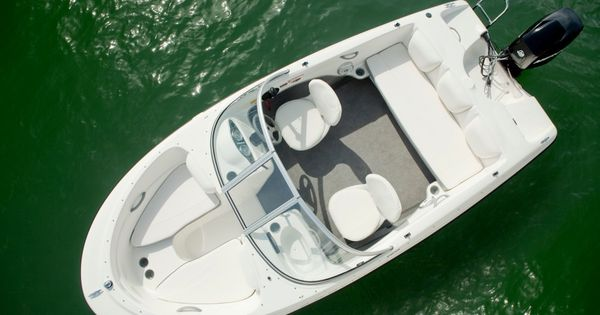 Pin By Jack Fisher On Boats In 2020 Bowrider Boat Bayliner Boats