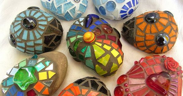 Recycle Reuse Renew Mother Earth Projects: how to make Mosaic Stones.