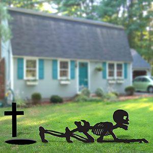 Skeleton Crawler Diy Woodcraft Pattern 2217 Imagine This Guy Crawling Out Of A Hol Halloween Yard Decorations Halloween Skeletons Halloween Pallet Projects
