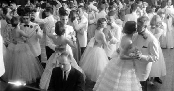 1950s high school dance