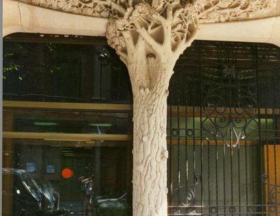 nouveau tree column