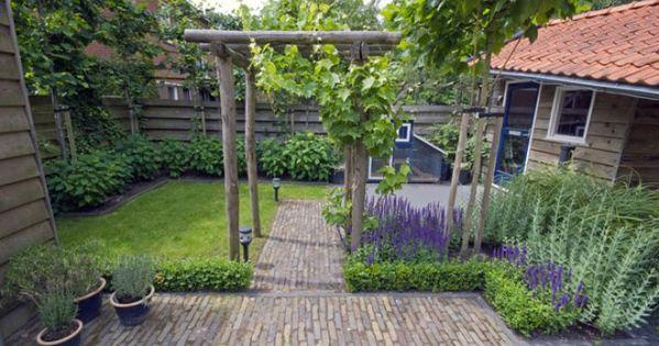 Mooie strakke indeling van een klein tuin dingen om te for Huis en tuin nuenen