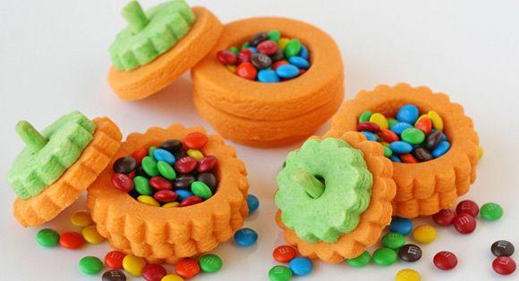 A Happy Halloween with 3D Pumpkin Treasure Cookies!